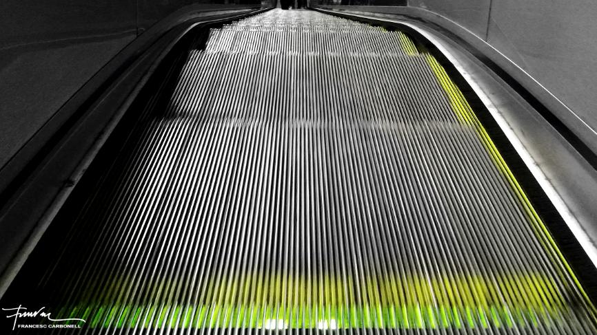 Vertigen a les escales mecàniques